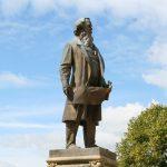 Sir Titus Tall: Stilt walking entertainment